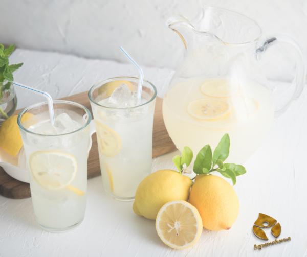 Пречистваща вода с лимон