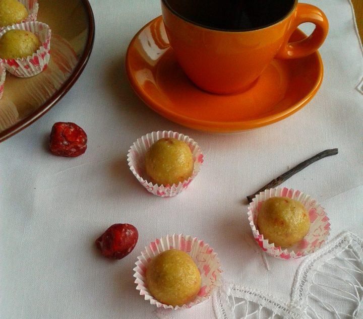bademovi-bonboni-s-mahleb-i-susheni-chereshi
