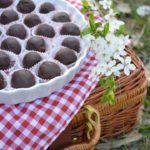 Шоколадови трюфели с мака и портокал