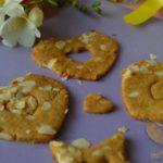Безглутенови бисквити с киноа и бадеми